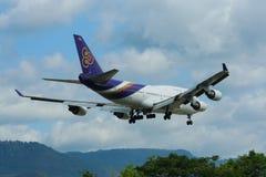 HS-TGH Боинга 747-400 Thaiairway стоковая фотография
