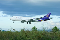 HS-TGK Boeing 747-400 de Thaiairway Photo stock