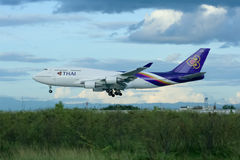 HS-TGK Boeing 747-400 de Thaiairway Images stock