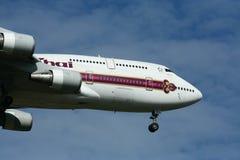 HS-TGL Boeing 747-400 de Thaiairway Photographie stock libre de droits