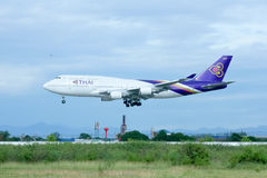 HS-TGP Boeing 747-400 de Thaiairway Photographie stock