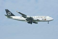 HS-TGW Boeing 747-400 de Thaiairway (peinture d'Étoile-Alliance) Images stock