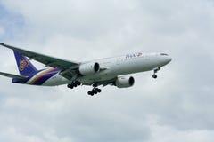 HS-TJF Боинга 777-200 Thaiairway стоковая фотография