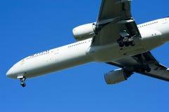 777-300 HS-TKF de Thaiairway Images stock
