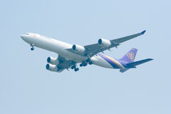 HS-TLC  Airbus A340-500 of Thaiairway Royalty Free Stock Images