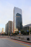 Hsbc-Firmengebäude bei Sonnenaufgang in Guangzhou Lizenzfreies Stockfoto