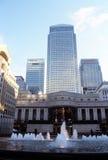 HSBC se eleva, torre del embarcadero y centro amarillos de Citigroup Imágenes de archivo libres de regalías