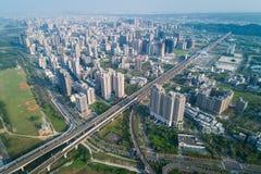 Hsinchu, Taiwan - 19 de março de 2018: Skyline da cidade de Zhubei Imagem moderna do conceito do negócio de Ásia fotos de stock royalty free