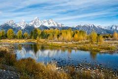 Höstliga färger i den storslagna Teton nationalparken Arkivfoto