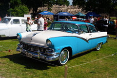HT 1956 de Ford Fairlane 2D Images stock