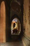 Htilominlo寺庙菩萨图象, Bagan,缅甸 免版税图库摄影