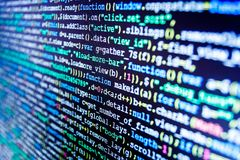 HTML-websitestructuur Programmeur Typing New Lines van HTML-Code stock foto