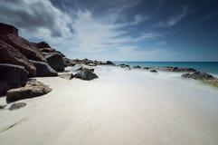 Hütte am Rand Azure Seas Lizenzfreies Stockfoto