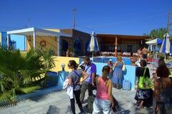 Huéspedes nuevamente llegadas Santorini del hotel Imagen de archivo