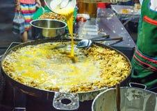 Huître frite avec l'oeuf et la farine Image libre de droits