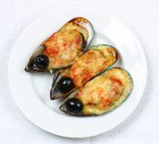 Huîtres avec des olives Images libres de droits