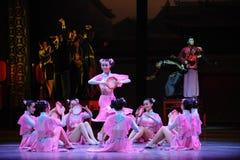 HU Feng το χορός-ροζ η κορίτσι-πρώτη πράξη των γεγονότων δράμα-Shawan χορού του παρελθόντος Στοκ Εικόνα