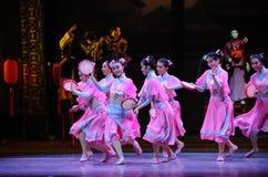 HU Feng het dans-Roze de meisje-eerste handeling van de gebeurtenissen van dans drama-Shawan van het verleden stock foto