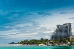 Hua- Hin strand. och hotell Arkivfoto