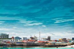 Hua- Hin strand. och restaurang på stranden Fotografering för Bildbyråer