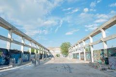 HUA HIN, TAILÂNDIA - May30,2015: Fábrica velha abandonada grafittis s Fotos de Stock Royalty Free