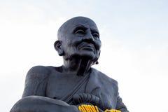 HUA HIN TAILANDIA - Apr27, 2015: Estatua de PU Thuat de Luang fotografía de archivo