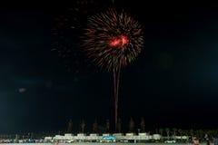 HUA HIN, TAILANDIA - Jan1,2016: El fuego artificial celebra Año Nuevo en Imagenes de archivo