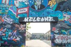 HUA HIN, TAILANDIA - May30,2015: Vecchia fabbrica abbandonata graffiti Fotografia Stock