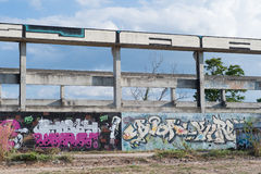HUA HIN, TAILANDIA - May30,2015: Vecchia fabbrica abbandonata graffiti s Immagini Stock