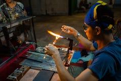 Hua Hin, Tailandia: 24 ottobre 2018 - il lavoratore sta facendo il Cr immagine stock libera da diritti