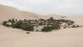Huacachina dell'oasi - Perù fotografie stock