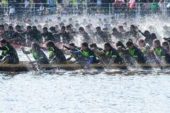 Huahin传统泰国长的赛艇2016年 免版税库存照片