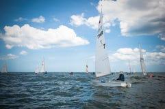 HuaHin Regatta 2012, Konkurrenz segelnd Lizenzfreie Stockfotos