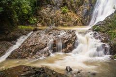 Huai-alla cascata nella città famosa della spiaggia di Krabi, la Tailandia Immagini Stock Libere da Diritti
