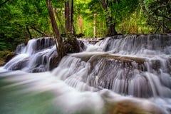 huai kamin kanchanaburi mae泰国瀑布 免版税库存图片