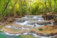 Huai Mae Kamin Wasserfall lizenzfreie stockfotos