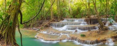 Huai Mae Kamin Wasserfall stockbild
