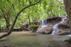 Huai Mae Kamin-Wasserfall Srinakarin-Verdammung in Kanchanaburi Stockfoto