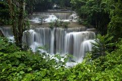Huai Mae Khamin Waterfall Kanchanaburi illustrazione vettoriale