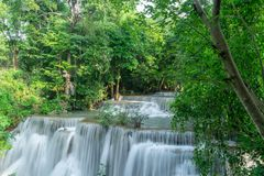 Huai Mae Khamin Waterfall, Tailandia imagenes de archivo