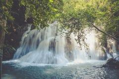 Huai Mae Khamin Waterfall Thailand Arkivfoto