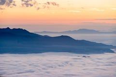 Huai Nam Dang National Park Sunrise en campines, Mae Tang, Chiang Mai, Tailandia Imagen de archivo