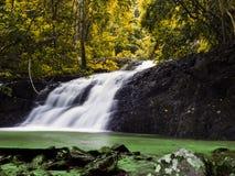 Huai Sa Khe Waterfall. Arkivfoto