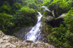 Huai To Waterfall in Wildernis Royalty-vrije Stock Afbeelding
