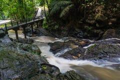Huai-zum Wasserfall in der berühmten Krabi-Küstenstadt, Thailand Lizenzfreie Stockbilder