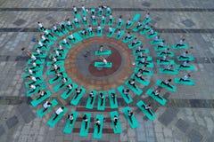 Huaian, Цзянсу: 2 дня йоги летнего солнцестояния и дня поклонения любовниками йоги защищают здоровую жизнь стоковые изображения rf