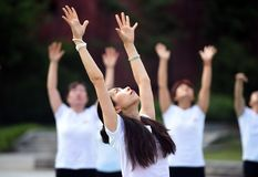 Huaian, jiangsu: two days of summer solstice yoga and a day of worship by yoga lovers advocate healthy life. On June 21, 2018, yoga lovers practice yoga in laozi stock images