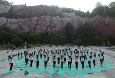 Huaian, jiangsu: two days of summer solstice yoga and a day of worship by yoga lovers advocate healthy life. On June 21, 2018, yoga lovers practice yoga in laozi royalty free stock image