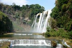 Huang Guoshu Waterfall arkivfoton