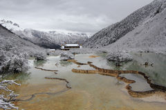 Huanglong-Naturschutzgebiet im Porzellan Lizenzfreie Stockfotos